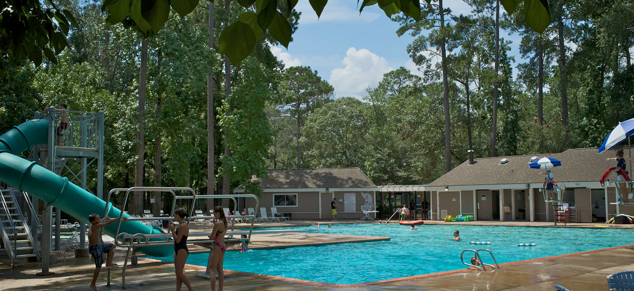 children using diving board at Bear Branch Village