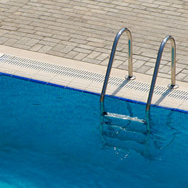 Maintain Pool Water Level | Jeff Ellis Management