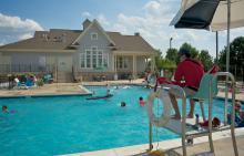 Children swimming in Lakewood Springs North pool